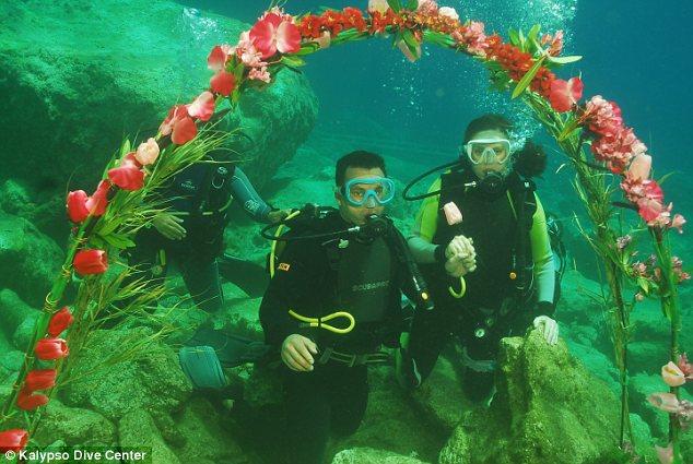 عروسی زیر آب، جاذبه جدید گردشگری یونان