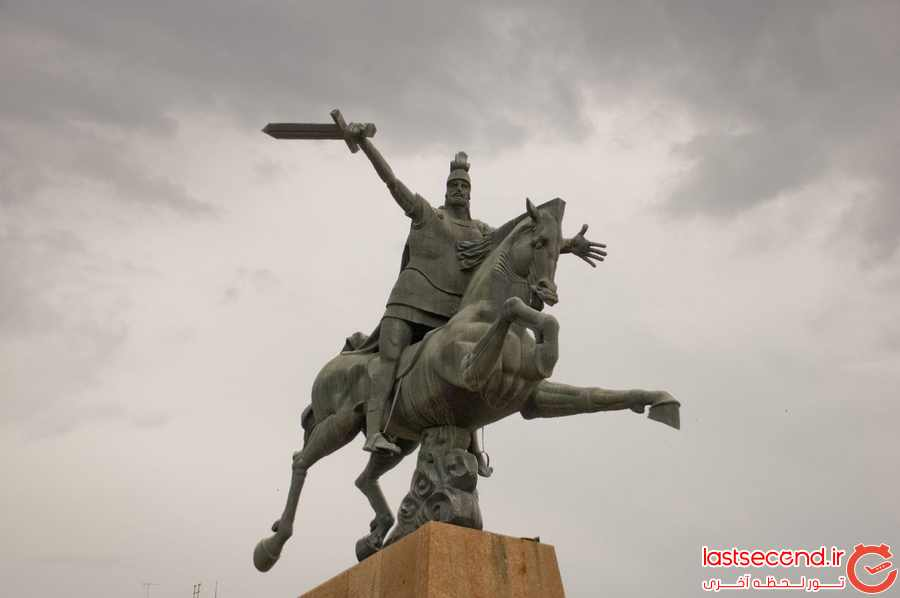 مجسمه Vardan Mamikonian