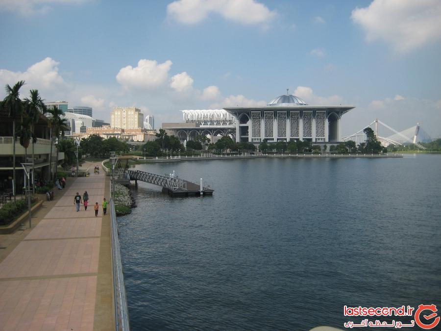 سفرنامه کوالالامپور(شهری با ساختمانهای بلند و مردمی متواضع)