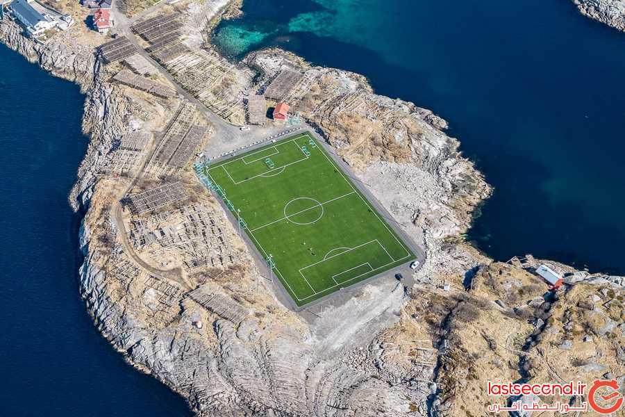 استادیومی خارق العاده روی آب های دریا