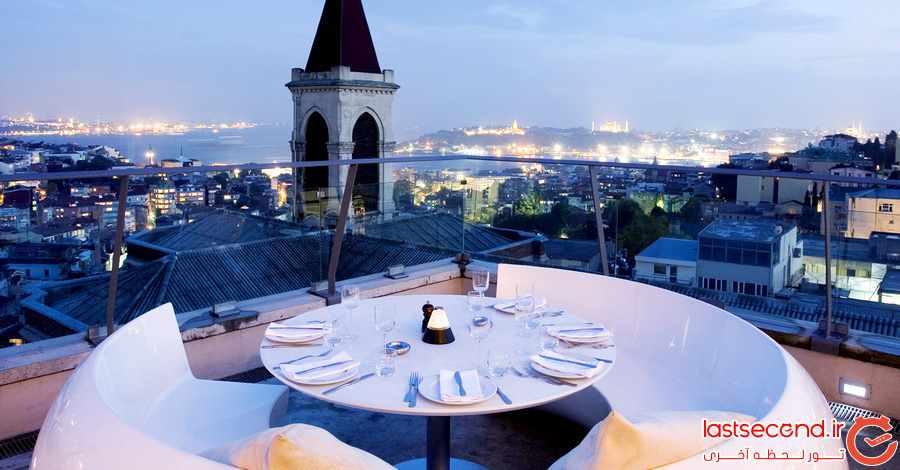 چشم اندازهای پانورامیک و فضایی دنج در پشت بام های استانبول           