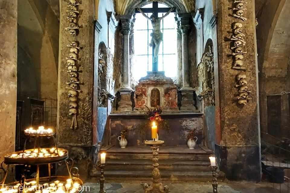 کلیسای استخوانها ، جاذبه ای عجیب در چک          