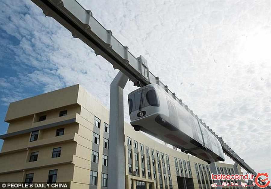 چین ، اولین خط ریلی هوایی را افتتاح کرد             