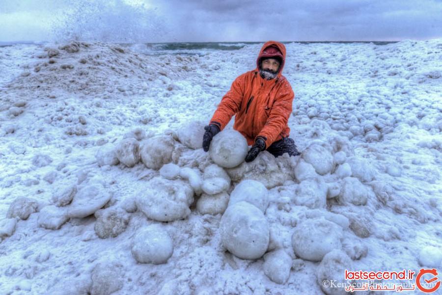 توپ های یخی دریاچه میشیگان و ساحل استرومی