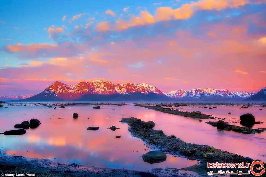 غروب خورشید در کنار زیباترین جاذبه های دیدنی جهان   