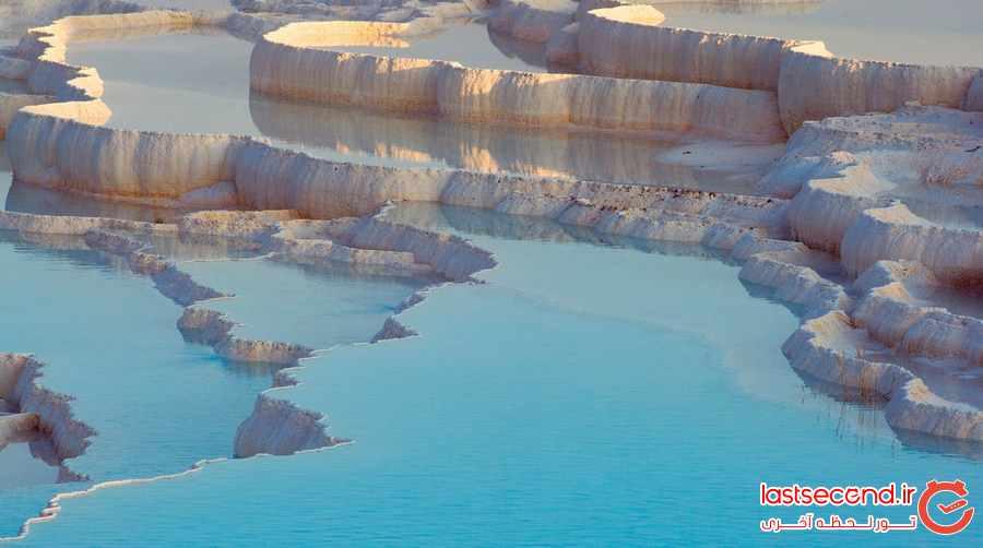 پاموکاله ، استخرهای آبگرم طبیعی در ترکیه               