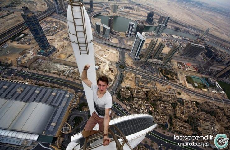عکاسان بی پروا بر فراز شهر دبی