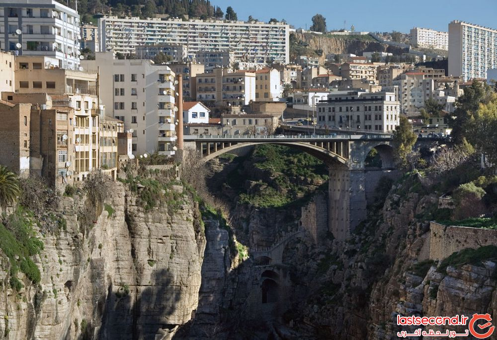کنستانتین، شهر پل و دره در الجزایر