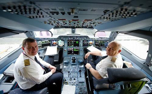 خلبان مدرنترین هواپیمای مسافربری جهان یک ایرانی شد
