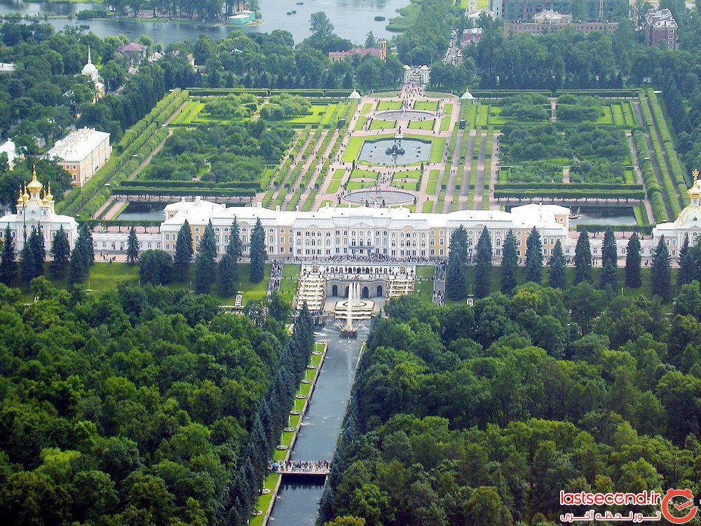 کاخ زیبای  پیترهف معروف به کاخ ورسای روسیه