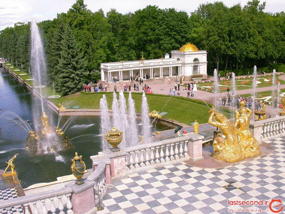 کاخ پیترهف معروف به کاخ ورسای روسیه