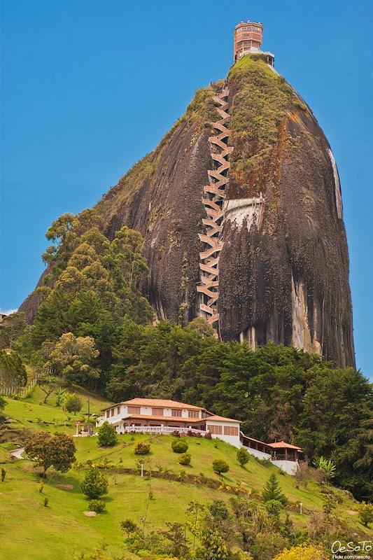 زیباترین صخره دنیا با ویوی رویایی