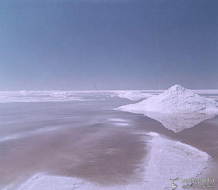 گردش در دریاچه نمک